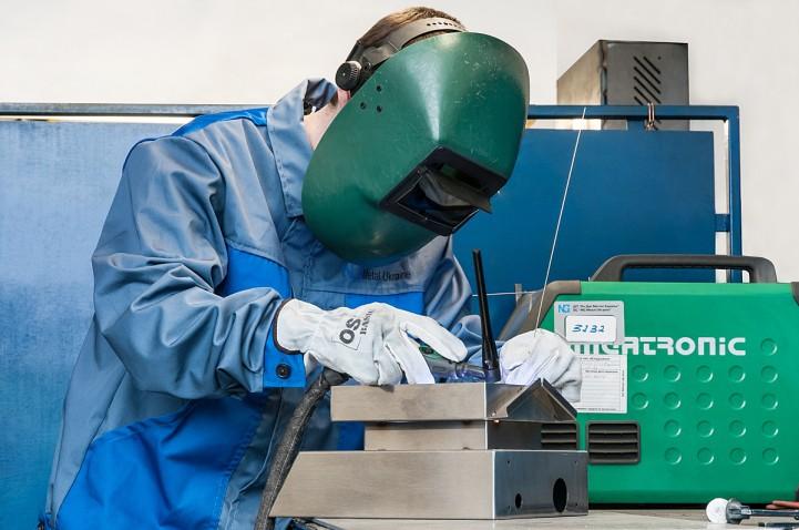 Manual welding